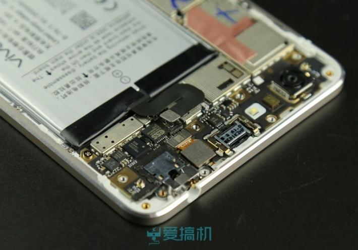 Vivo-X5-Max-teardown-4-710x496