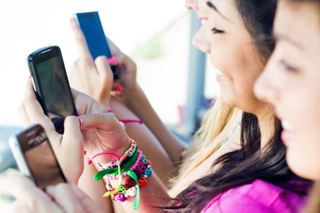 smartphone-typing-nenetus-shutterstock